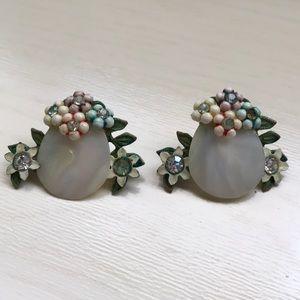 🆕Vintage mother pearl shell, rhinestone earrings